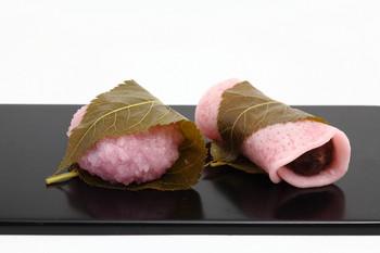 「桜餅 関東 関西」の画像検索結果
